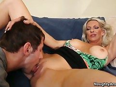 Joey Guts gives defiant Emma Starrs pussy