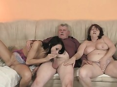 Her bf enters the midst of Three-way with his family